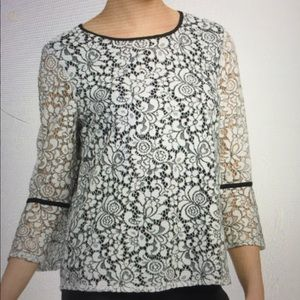 Adrianna Papell White/Black Lace Top Size M